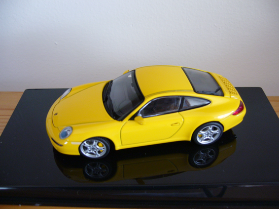 1:43 PORSCHE 911/997/ CARRERA YELLOW