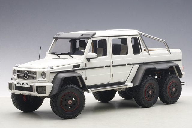 1:18 MERCEDES BENZ G63 AMG 6X6 (MATT WHITE) 2013 (COMPOSITE MODEL/FULL OPENINGS)