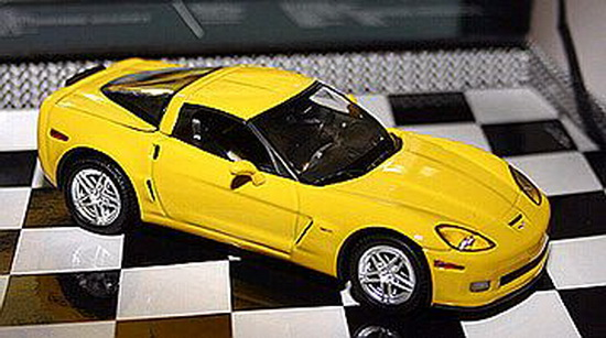 1:43 CORVETTE Z6 YELLOW 2005