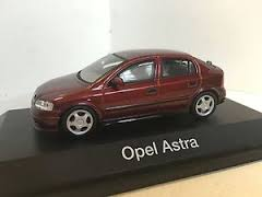 1:43 OPEL ASTRA SILVER
